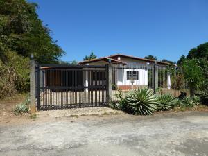 Casa En Venta En Higuerote, Carenero, Venezuela, VE RAH: 13-3333
