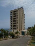 Apartamento En Ventaen Catia La Mar, Playa Grande, Venezuela, VE RAH: 13-3995