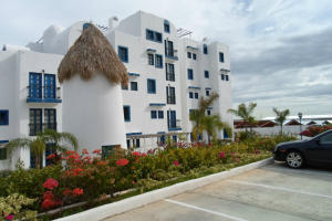 Apartamento En Venta En Margarita, Porlamar, Venezuela, VE RAH: 13-4121