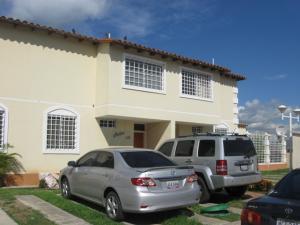 Townhouse En Venta En Guatire, Buenaventura, Venezuela, VE RAH: 13-4124