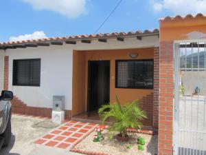 Casa En Venta En Municipio San Diego, Villas De San Diego, Venezuela, VE RAH: 13-4153