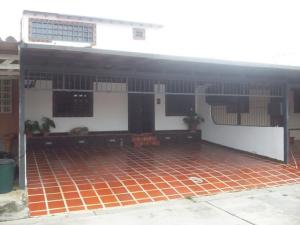 Casa En Venta En Cabudare, Parroquia José Gregorio, Venezuela, VE RAH: 13-4510