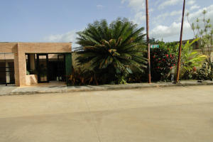Casa En Venta En Valencia, Guataparo Country Club, Venezuela, VE RAH: 13-4749