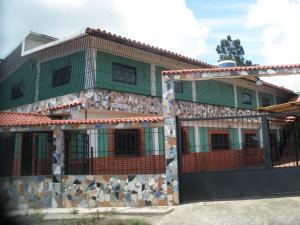 Casa En Venta En Caracas, El Junquito, Venezuela, VE RAH: 13-4919