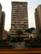 Local Comercial En Venta En Caracas, El Recreo, Venezuela, VE RAH: 13-6138