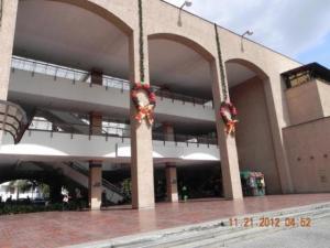 Local Comercial En Venta En Caracas, Prados Del Este, Venezuela, VE RAH: 13-7143