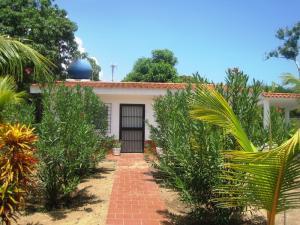 Casa En Venta En Rio Chico, Los Canales De Rio Chico, Venezuela, VE RAH: 13-7250