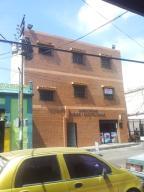 Edificio En Venta En Valencia, Carabobo, Venezuela, VE RAH: 13-7293