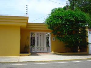 Casa En Venta En Maracaibo, Cantaclaro, Venezuela, VE RAH: 13-7307