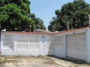 Casa En Venta En Municipio Los Guayos, Paraparal, Venezuela, VE RAH: 13-7427