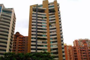 Apartamento En Venta En Valencia, Valle Blanco, Venezuela, VE RAH: 13-7443