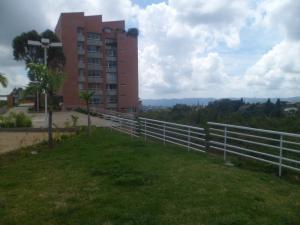 Apartamento En Venta En Caracas - Alto Hatillo Código FLEX: 13-7578 No.2
