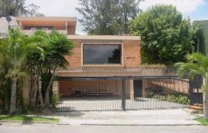 Casa En Venta En Caracas, El Placer, Venezuela, VE RAH: 13-8502