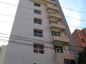 Apartamento En Venta En Maracaibo, Avenida Bella Vista, Venezuela, VE RAH: 13-8977