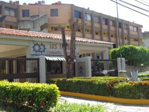 Apartamento En Venta En Higuerote, Higuerote, Venezuela, VE RAH: 13-9066