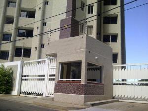 Apartamento En Venta En Maracaibo, El Milagro, Venezuela, VE RAH: 14-177