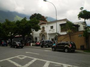 Local Comercial En Venta En Caracas - Altamira Código FLEX: 14-439 No.1