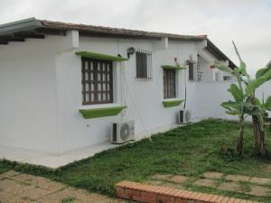 Casa En Venta En Caracas, Colinas De Caicaguana, Venezuela, VE RAH: 14-800