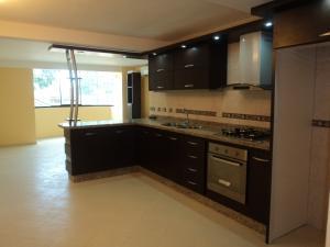Apartamento En Venta En Ciudad Bolivar, Av La Paragua, Venezuela, VE RAH: 14-812