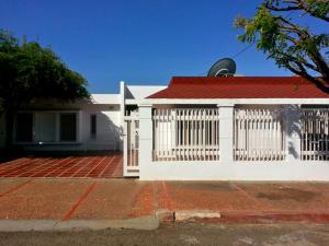 Casa En Venta En Maracaibo, El Portal, Venezuela, VE RAH: 14-893