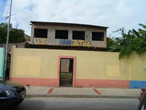 Local Comercial En Ventaen Margarita, Pampatar, Venezuela, VE RAH: 14-921