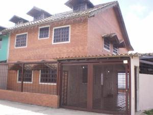 Casa En Venta En Caracas, Hoyo De La Puerta, Venezuela, VE RAH: 14-1064