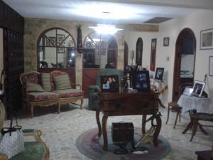 Casa En Venta En Maracaibo, Rosal Sur, Venezuela, VE RAH: 14-1173