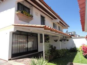 Casa En Ventaen Caracas, Alto Prado, Venezuela, VE RAH: 14-1931