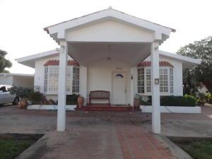 Casa En Venta En Maracaibo, Richmond, Venezuela, VE RAH: 14-2030