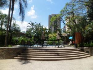 Apartamento En Venta En Caracas - El Rosal Código FLEX: 14-2423 No.10