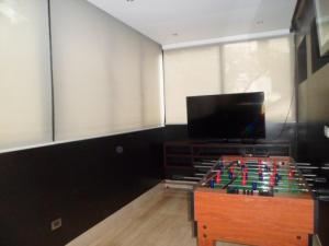 Apartamento En Venta En Caracas - El Rosal Código FLEX: 14-2423 No.5