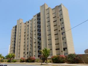 Apartamento En Ventaen Catia La Mar, Playa Grande, Venezuela, VE RAH: 14-2599