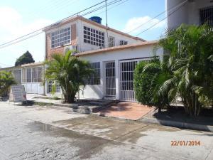 Casa En Venta En Guacara, Tesoro Del Indio, Venezuela, VE RAH: 14-2873