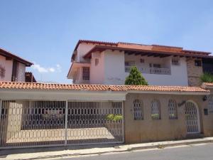 Casa En Venta En Caracas, Colinas De Santa Monica, Venezuela, VE RAH: 14-3606