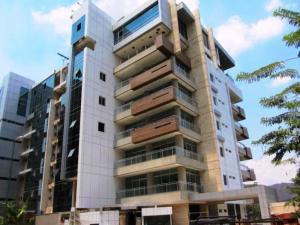 Apartamento En Venta En Valencia, Terrazas Del Country, Venezuela, VE RAH: 14-3312