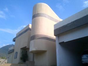 Casa En Ventaen Parroquia Caraballeda, Tanaguarena, Venezuela, VE RAH: 14-3372