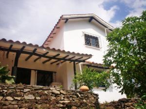 Casa En Venta En La Victoria, Hacienda Loma Brisa, Venezuela, VE RAH: 14-3374
