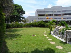 Apartamento En Venta En Caracas, Lomas De La Trinidad, Venezuela, VE RAH: 14-3418