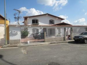 Casa En Ventaen San Antonio De Los Altos, Parque El Retiro, Venezuela, VE RAH: 14-3551