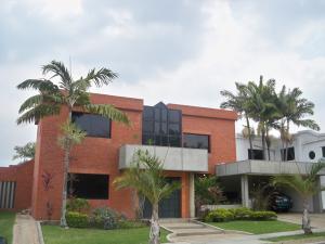 Casa En Venta En Valencia, Guataparo, Venezuela, VE RAH: 14-3759