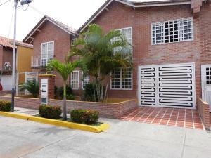 Casa En Venta En Guatire, El Castillejo, Venezuela, VE RAH: 14-3979