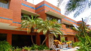 Casa En Venta En Maracaibo, La Lago, Venezuela, VE RAH: 14-4645