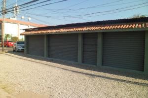 Local Comercial En Venta En Punto Fijo, Centro, Venezuela, VE RAH: 14-4273