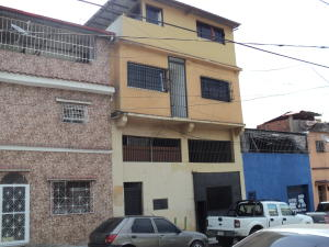 Casa En Venta En Caracas, Artigas, Venezuela, VE RAH: 14-5521