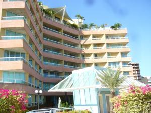 Apartamento En Venta En Margarita, Pampatar, Venezuela, VE RAH: 14-5825