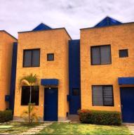 Townhouse En Venta En Higuerote, Puerto Encantado, Venezuela, VE RAH: 14-6050