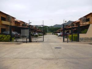 Townhouse En Venta En Municipio San Diego, Trigal De San Diego, Venezuela, VE RAH: 14-6171