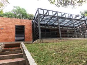 Casa En Venta En Caracas, Cumbres De Curumo, Venezuela, VE RAH: 14-6438