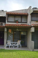 Casa En Venta En Higuerote, Agua Sal, Venezuela, VE RAH: 14-6512