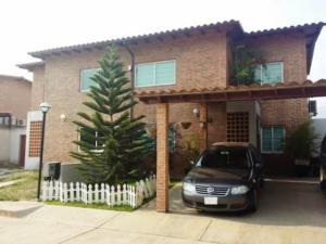 Casa En Venta En Municipio San Diego, La Cumaca, Venezuela, VE RAH: 14-6517